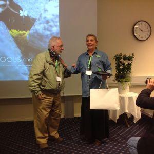 Foto: Hilde Nicolaisen  Dr. Michael Smith blir hedret